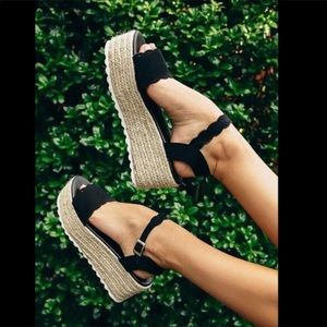 Shoes - ✨HP✨ Black Scalloped Espadrille Wedge Sandals